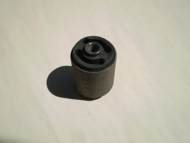 SUZ DIFF BUSHING LARGE